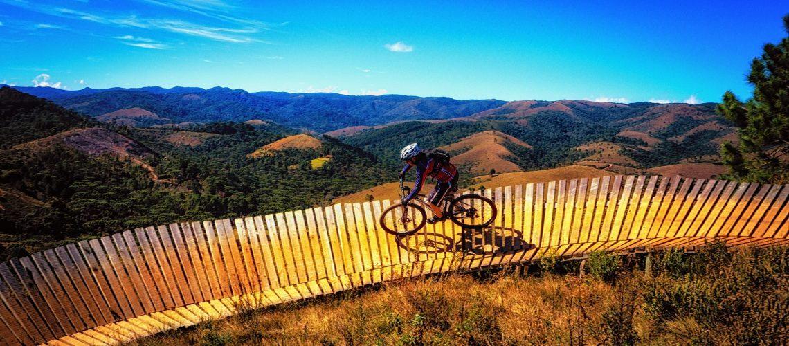 bike-sky-mountains